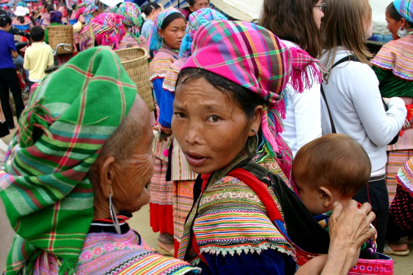 an analysis of the hmong women pregnancy and labor practices in laos Hmong women and childbirth practices pregnancy and labor the united states could not send troops into laos, so they instead trained hmong men to fight in the.