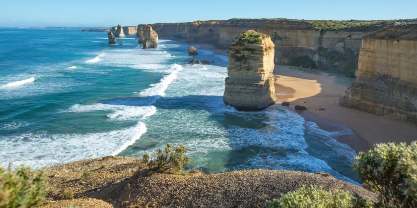 Twelve Apostles, Great Ocean Road, VIC 131521 cTourism Australia