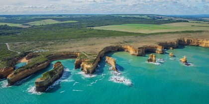 Helicopter-Ride,-Great-Ocean-Road,-VIC-136136-cTourism-Australia