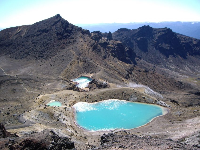 Emerld Lakes Summer Tongariro Alpine Crossing A Road Trip on the North Island of New Zealand