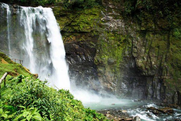 Stunning Costa Rica Waterfalls and Hikes