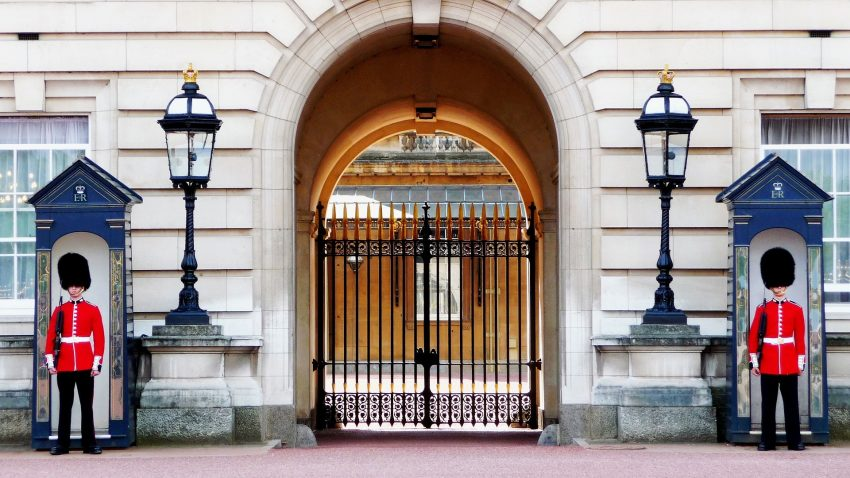 buckingham palace 978830 1920 A Long Weekend in London