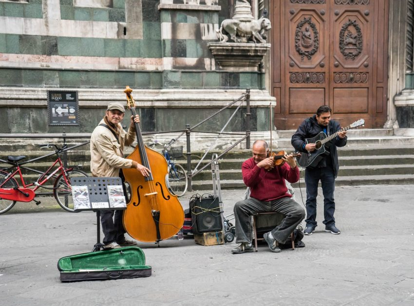 street musicians 1066298 1920 What Not to Miss on a Day Trip to Florence