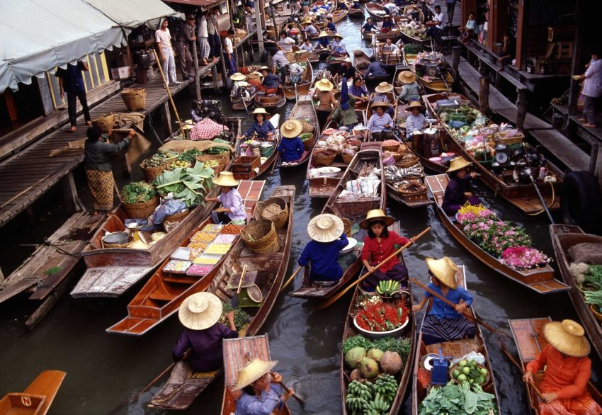 floatingmarket 6 Things you just cannot afford to miss when in Bangkok