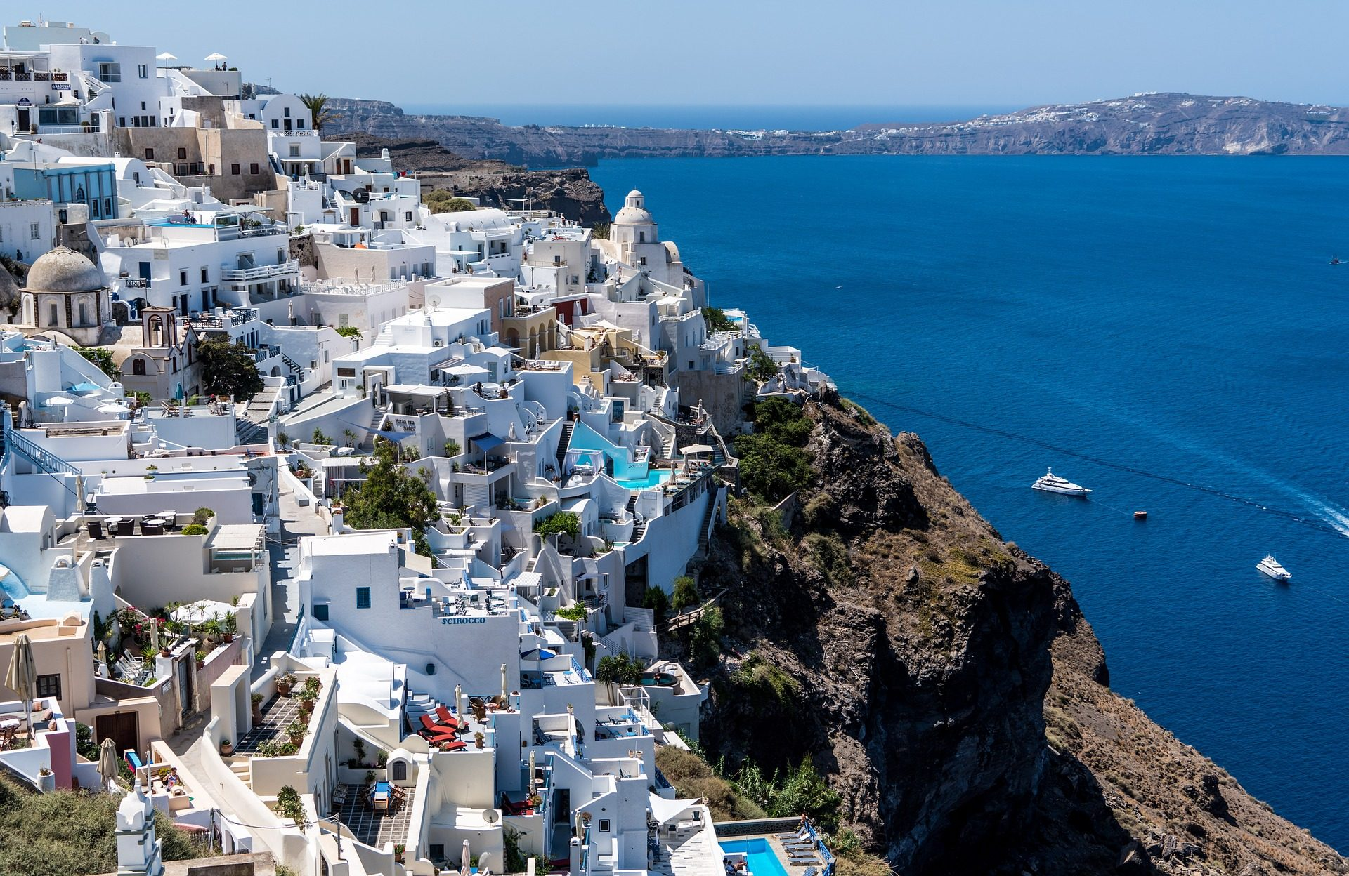 greece santorini2 The Best Ways to Track Your Spending on Your Next Big Trip