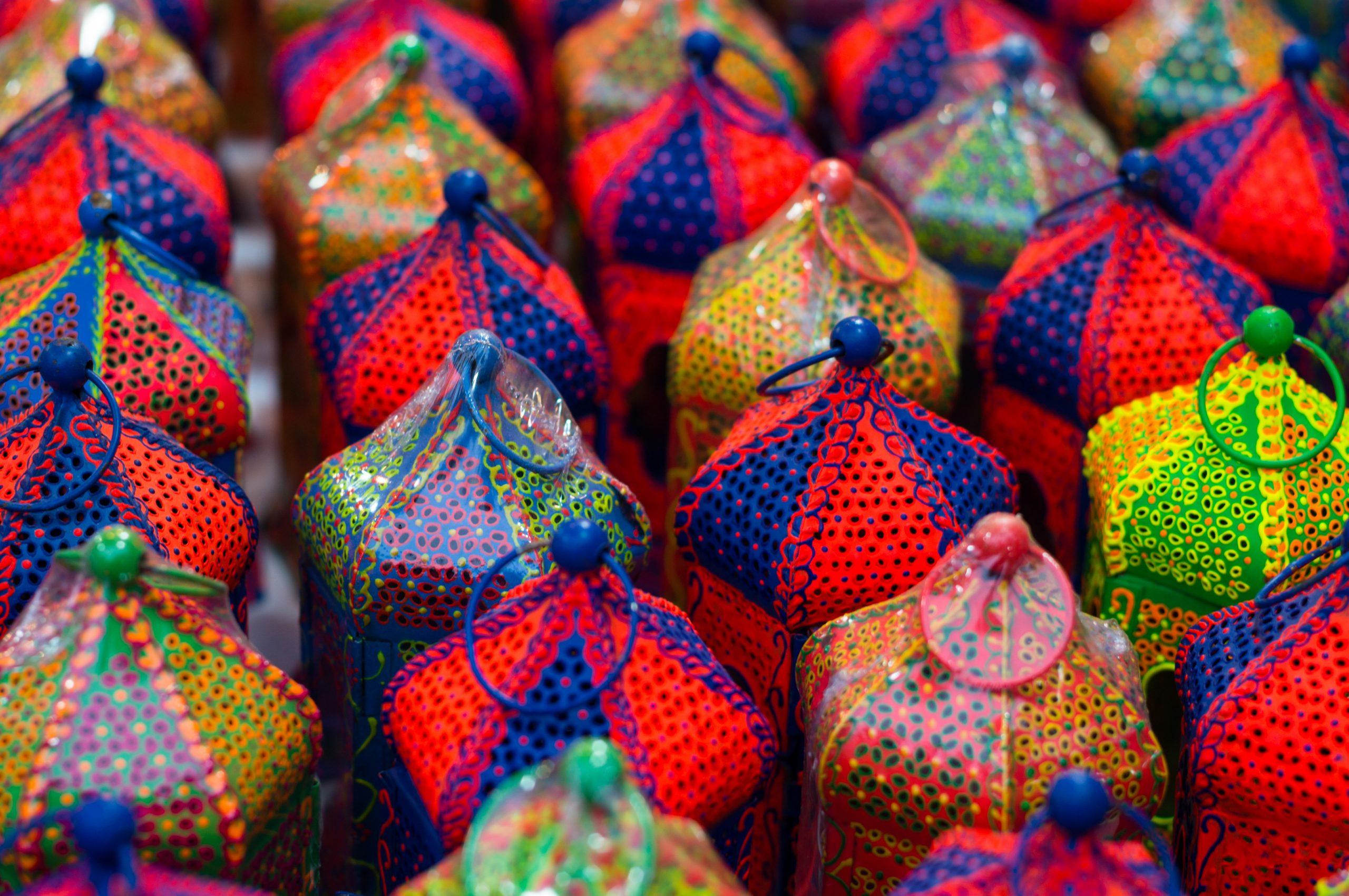 A Guide to Dilli Haat Market in Delhi, India