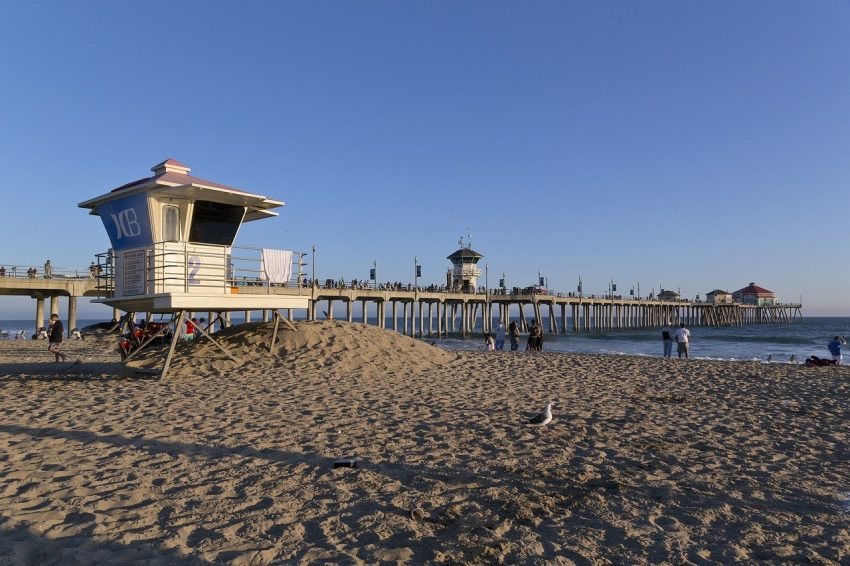 huntington beach 1627350 1280 California Coasting: 3 Epic Sunshine State Road Trips