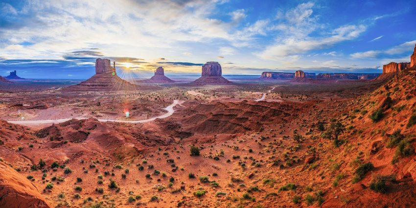 monument valley 1081996 1920 The Top 5 Can't-Miss Destinations in Arizona