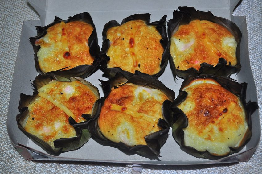 Bibingka Delicious foods you should not miss in the Philippines