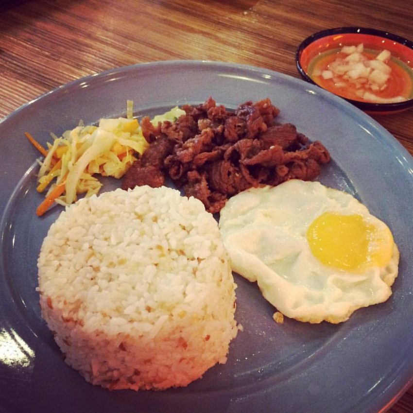 Tapsilog Delicious foods you should not miss in the Philippines