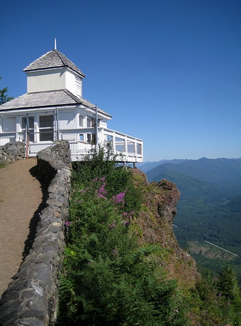 watch tower 173558 640 Affordable Weekend Trips in the Pacific Northwest