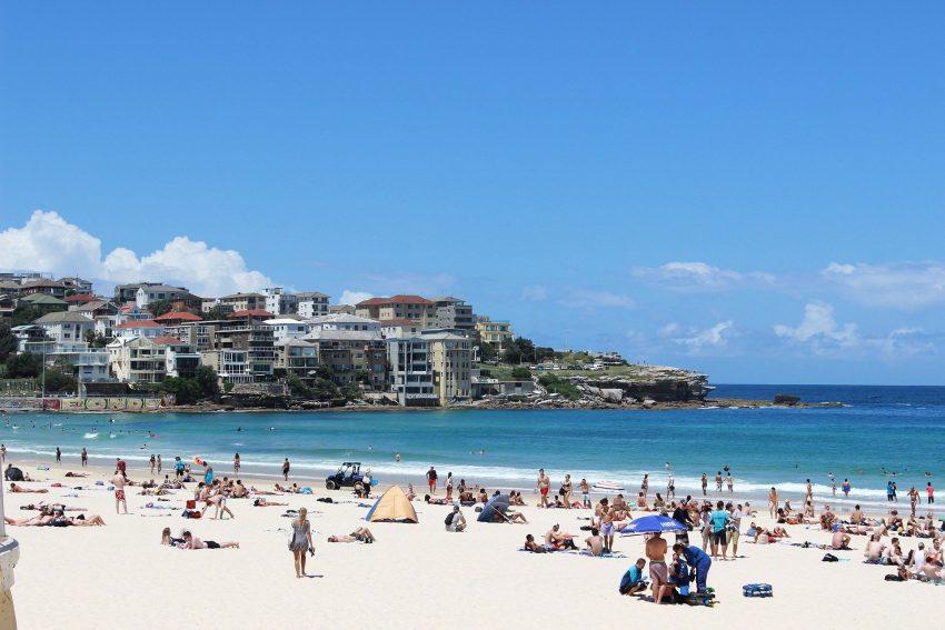 the sea 657043 1920 7 Affordable Ways to Enjoy Australia's Outdoors