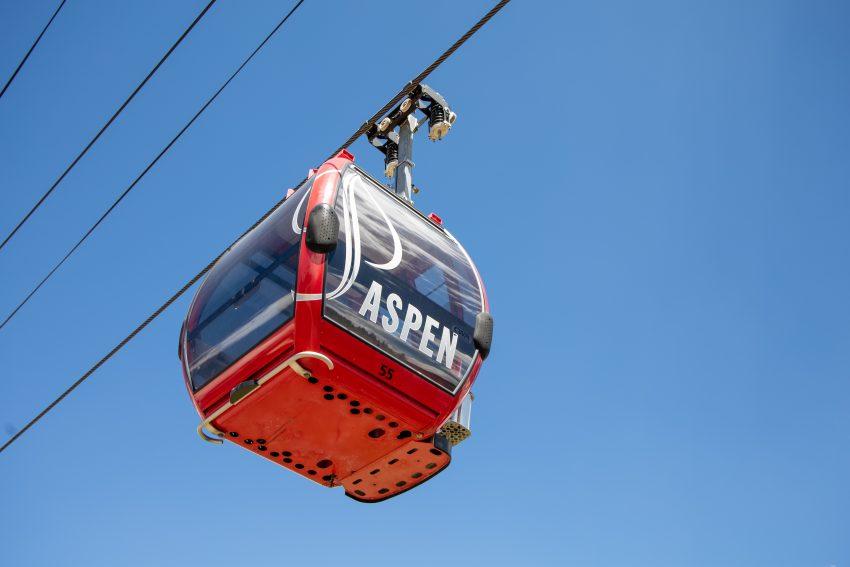 joshua sukoff UkBoArZ7dFE unsplash The Best Ski Resorts in the Western United States