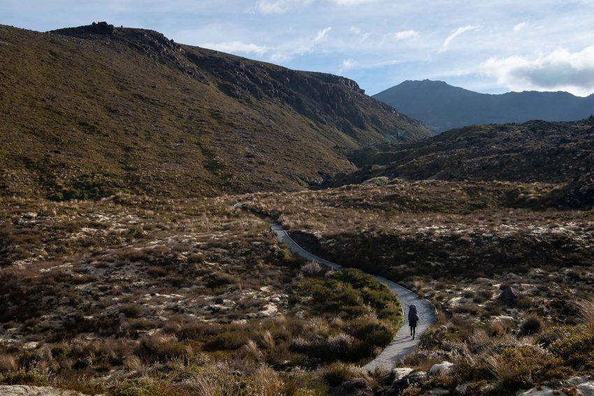 004 Jonny Baker Tongariro Circuit A Complete Guide to New Zealand's Great Walks