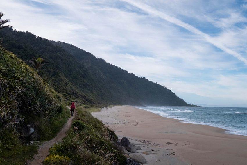 006 Jonny Baker Heaphy Track A Complete Guide to New Zealand's Great Walks